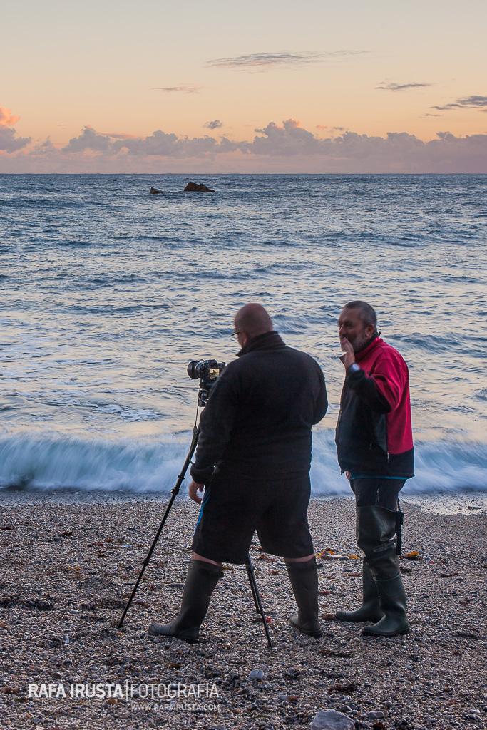 Marco fotografiando durante el Taller de Costa de Asturias 2016