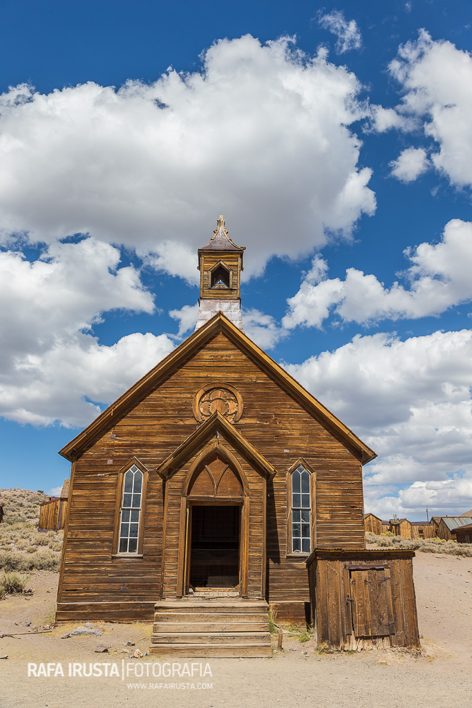 Vista frontal de la Iglesia Metodista, Bodie