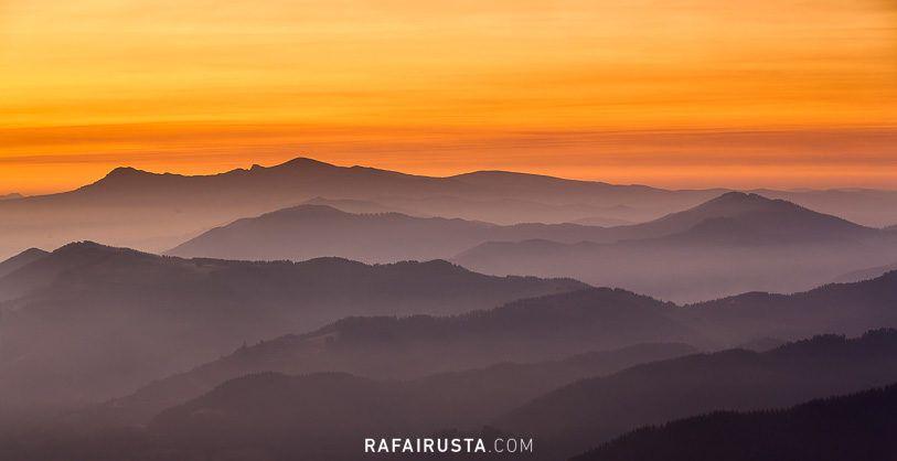 Cómo fotografiar paisajes con niebla, Capas de montes, Bizkaia