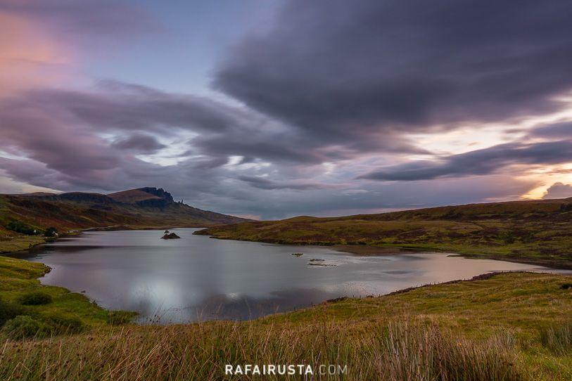 Amanecer en Loch Fada, Escocia